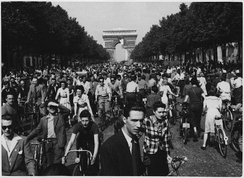 WWII,_Europe,_France,_Civilians,_-Hour_of_Triumph,_Parisians_join_the_parade_down_Champs_Elysees_from_the_Arch_de..._-_NARA_-_196298