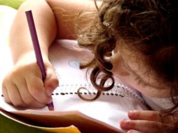 trabajo-a-domicilio-escritura-escuela_2676205